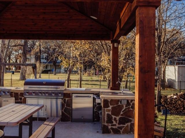 outdoor kitchen, outdoor kitchen contractor work